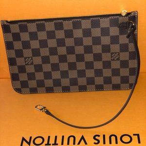Authentic Louis Vuitton Neverfull Pochette